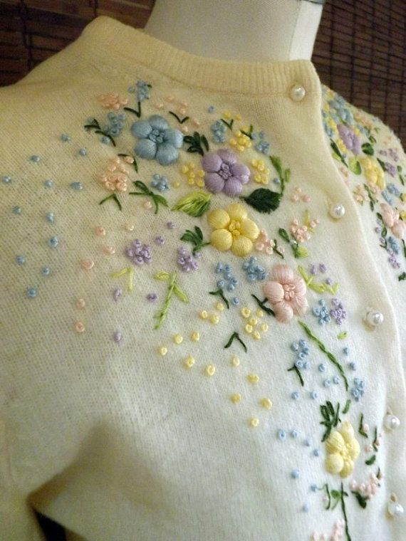 Vintage 50s Floral Embroidered Cream Cardigan M