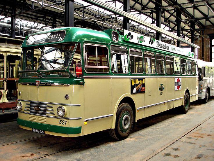 DenHaag HOVM HBM Krom327 - Kromhout TBZ100/Verheul-bus, HTM 327, uit 1957