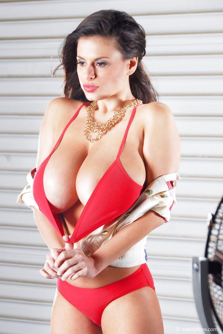 польские женщины с большим бюстом - 11