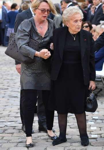 Bernadette Chirac et sa fille Claude arrivent aux obsèques de Simone Veil. - Fournis par Femme Actuelle
