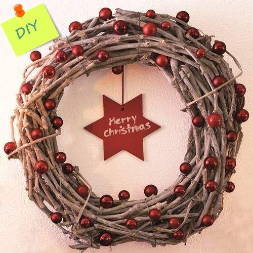 Manualidades para decorar: coronas de Navidad con ramas secas