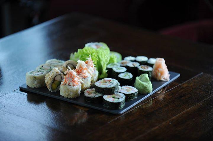 Sushi - Japanese food // Sushi -Mancare japoneza din turul culinar cu care le-am rasfatat pe prietenele MAGGI. Devino si tu Prieten de-al casei in 2015: www.facebook.com/...