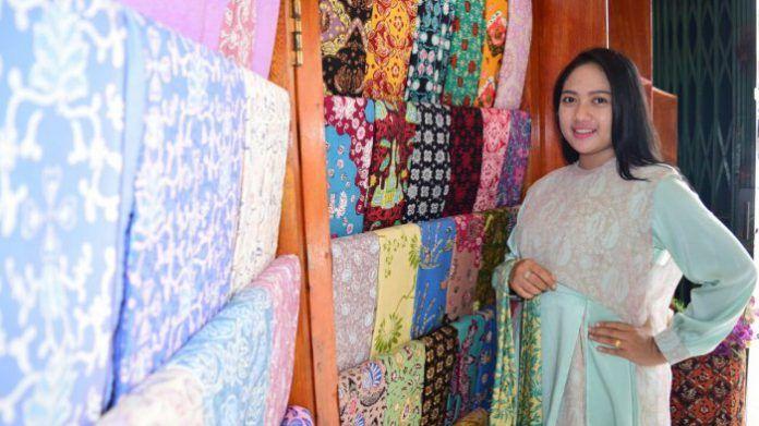 Batik Jambi, Kekayaan Pewarnaan dengan Bahan-bahan Alami