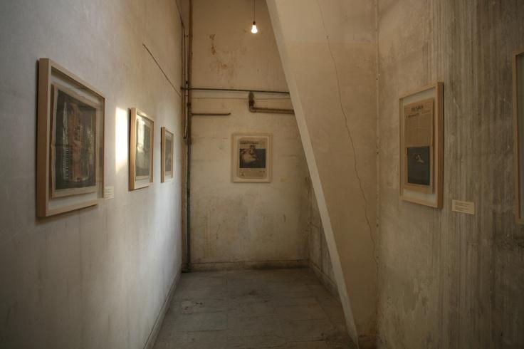 Βίκυ Περικλέους Άποψη εγκατάστασης της σειράς Εξωτισμοί και Άλλες Πράξεις Παραχώρηση της Omikron Gallery, Λευκωσία, Κύπρος Φωτογράφιση Μαργαρίτα Μυρογιάννη