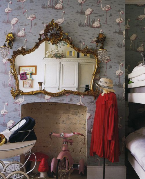 Flamingo wallpaper by Cole + Son Fantastic Great quirky styling in this photo Source: Wallpaper by Charlotte Abrahams ISBN-10: 1844007413