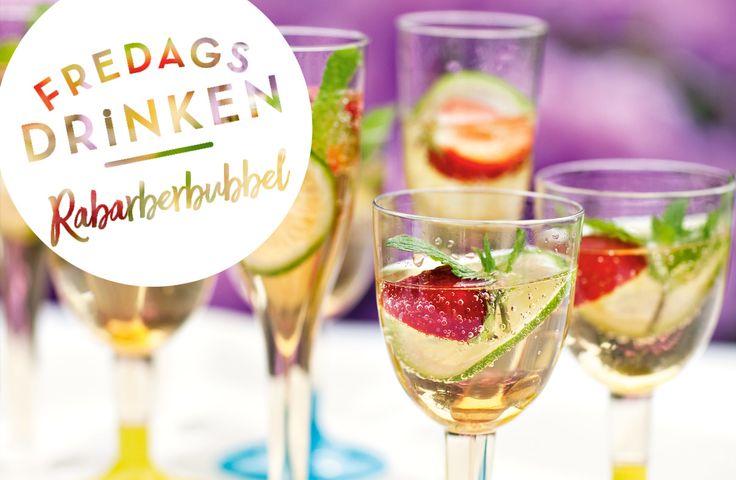 Recept på rabarberbubbel. Smart alkoholfri välkomstdrink som kan förberedas och ser festfin ut i glasen! Vill du inte ha den alkoholfri byter du bara ut vinet.