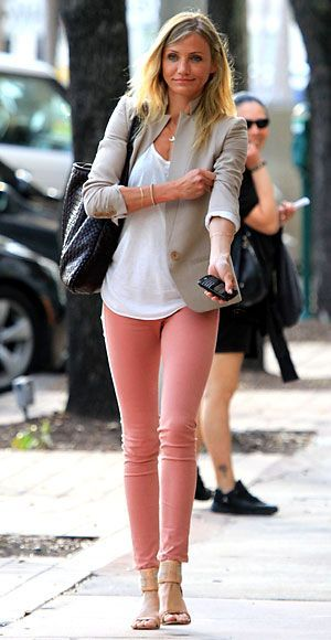 Spring Denim Trends: Pastels. Pink skinny pants, white cotton tee and linen blazer. Office Outfit. Simple and easy to copy look.
