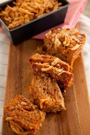 Paula Deen Bacon Cheeseburger Meatloaf (I want to try this but use ground chicken, turkey bacon, egg white, whole wheat bread crumbs, olive oil mayo, and low sugar ketchup....to cut the calories and make it healthier.)