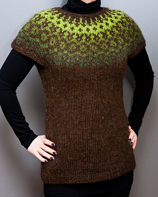 Ravelry: unneva's Lopavesti clever color choices can make it glow!