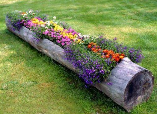 15 wunderschöne Ideen für ausgefallene Gartendeko - ausgefallene gartendeko baumstamm blumenstaude