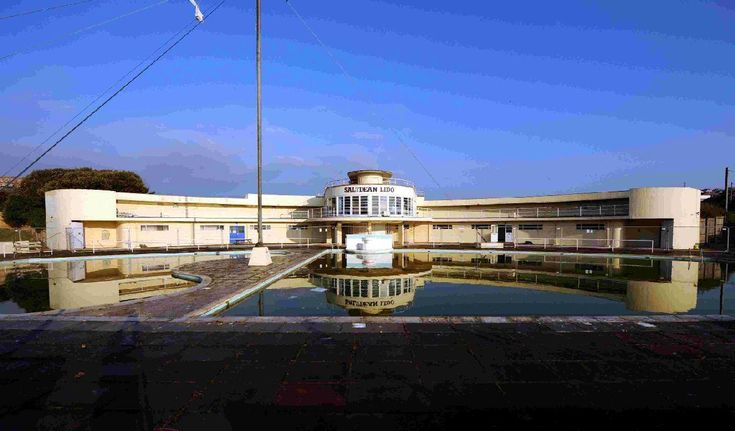 £2.3 million awarded to Saltdean Lido to help restore it to its 1930s glory.