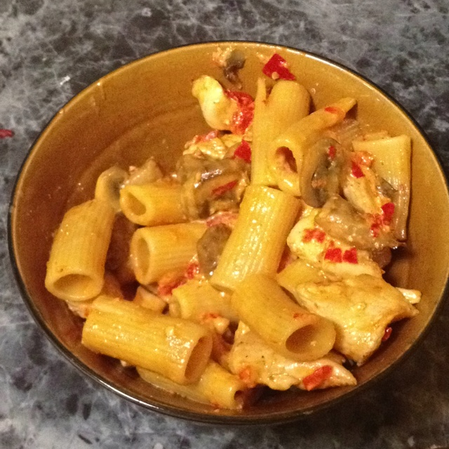 Roasted red pepper cream sauce over chicken and mushroom and rigatoni