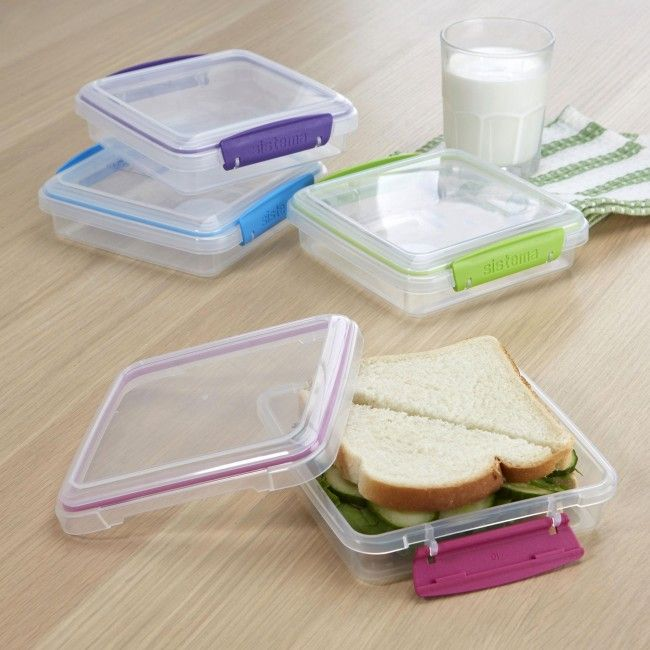 Never eat crushed sandwiches again with Klip It To Go Sandwich Box. Solid construction and snap on lid keep your sandwich fresh and intact until it's time for lunch!
