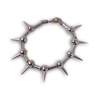 Punk armband met spikes. Zilverkleurige punker armband met spikes.
