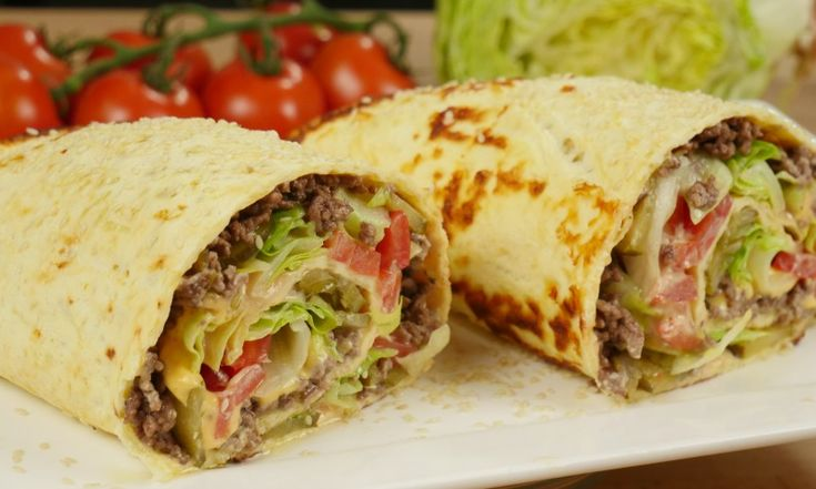 Die Low Carb Big Mac Rolle schmeckt wie der beliebte Burger, ist dabei aber glutenfrei und low carb.