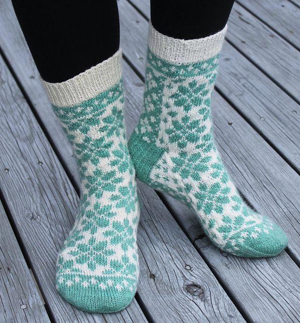 Ravelry: Flower Garden Socks - Blomsterhage sokken pattern by Aud Bergo
