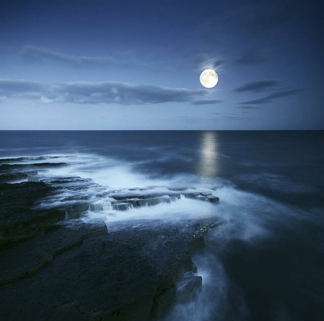 17 Best Images About The Moon Over The Sea On Pinterest