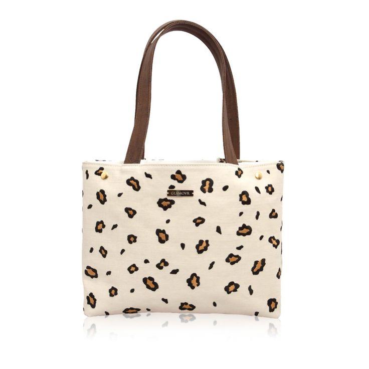 Leopard tote bag. Find it on unikstore.com. #kluxe #hearts #shop #handbag #animalprint #trends