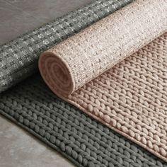 Groen (of poederroze of mosterdgeel) wollen tapijt #rugs #vloerkleed | smallable