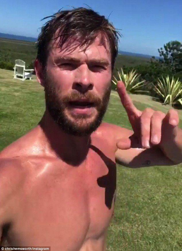 Chris Hemsworth Trains in 91-Degree Heat, So What's Your Excuse?