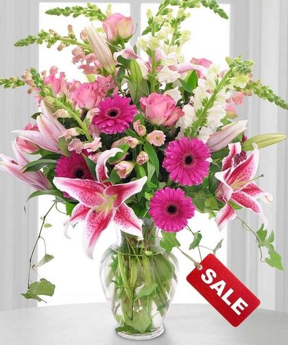80 best Valentine\'s Day images on Pinterest   Florists, Vase and ...