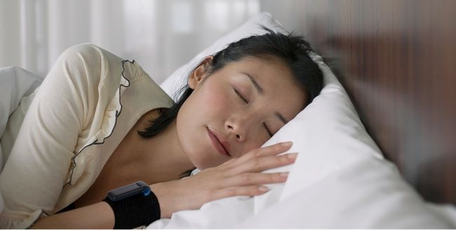 """Fitbit Ultra """"espía"""" lo que hacemos durante el día y la noche http://www.xataka.com/p/91596"""