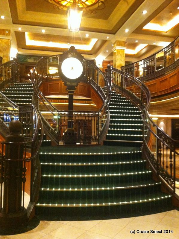Cunard - Clock on the stair case made by the same manufactures as Big Ben in London - Aboard Queen Victoria