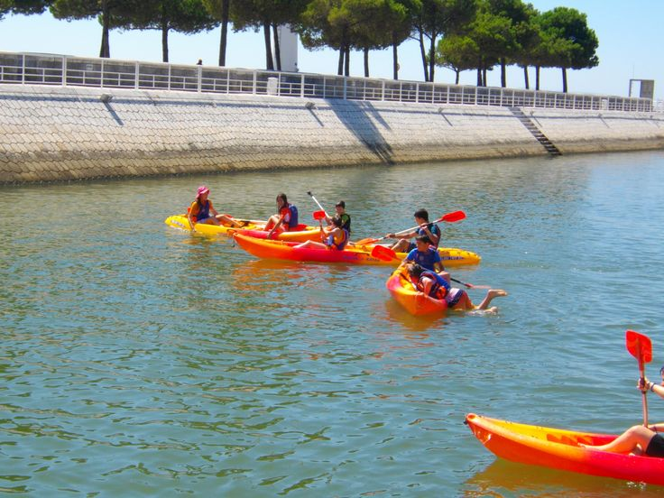 Se o seu filho  é aventureiro e aprecia o ar livre a partir dos 10 anos poderá fazer uma festa de aniversário com canoagem, no Centro Náutico da Marina Parque das Nações!