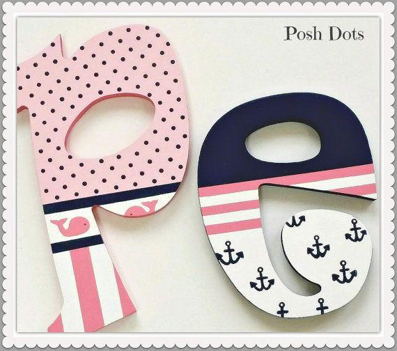 Letras infantiles Letras de madera, sala de juegos cartas, boda letras, letras adolescentes, regalo del bebé, letras decorativas, iniciales pintadas, colgantes