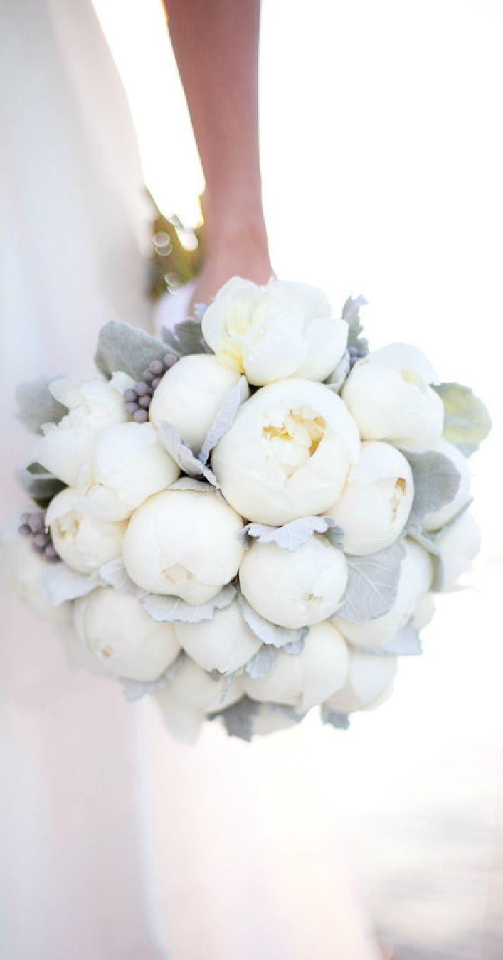 Blog OMG - I'm Engaged! - Buquê em branco total! Romantic white wedding bouquet.