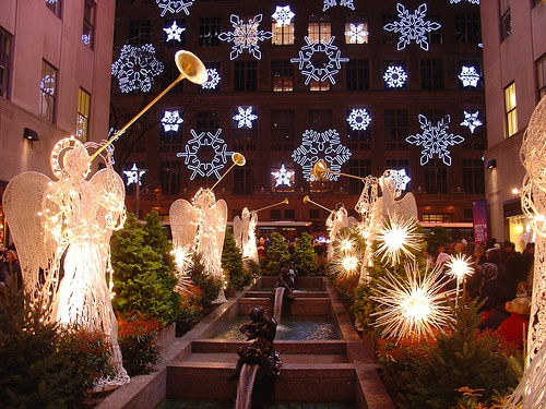 143 Best Holiday Window Displays Images On Pinterest Christmas