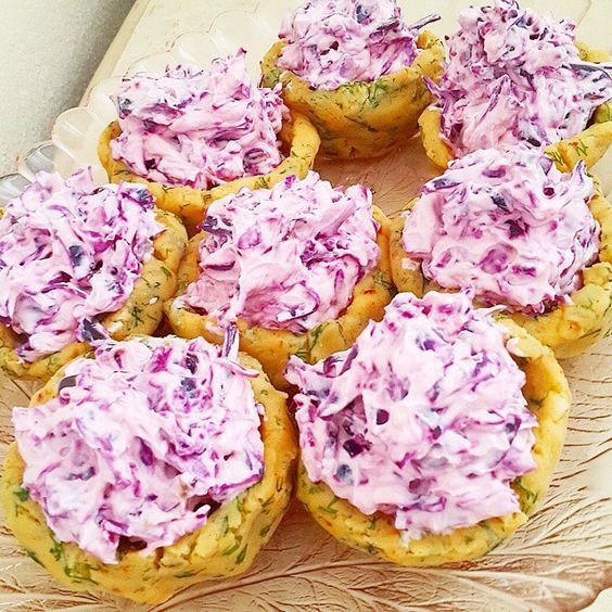 Patates canaginda yogurtlu mor salata