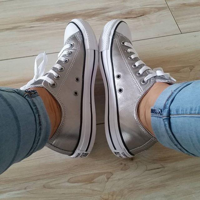 Manon op Instagram: Hello new shoes!  #allstars #zilver #converse #shoes #gympen #nieuw #schuurmanschoenen #shopping #blijmee #new #mine #likeeee #silver #nofilter