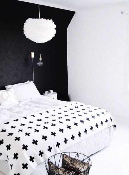 Via Mittlillehjerte | Bedroom | Black and White | Pia Wallen
