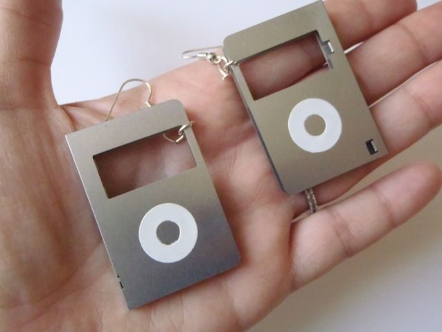 nerd floppy disk earrings geek computer vintage mp3 cover computer earrings<br ></a>n.1 pair of cool and funny earrings<br />made with vintage floppy disk components <br />gift for hipster, her, teens, cool, geek, nerd, computer, video games lover, music lover, mp3 handy c...