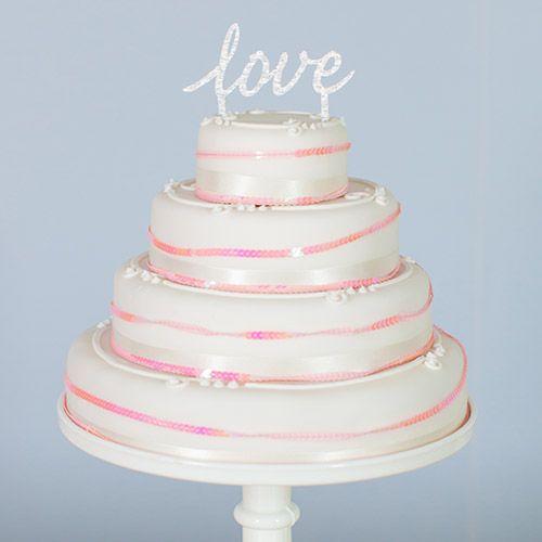 How To Decorate Marks and Spencer Wedding Cakes - cake topper from www.theweddingofmydreams.co.uk @theweddingomd #rockmycake