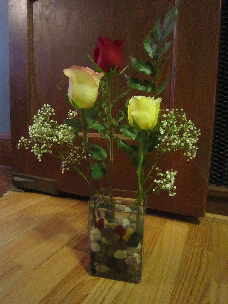 unique floral arrangements | Chuck Does Art: Artfully Arranging Flowers: Three Roses for Valentines