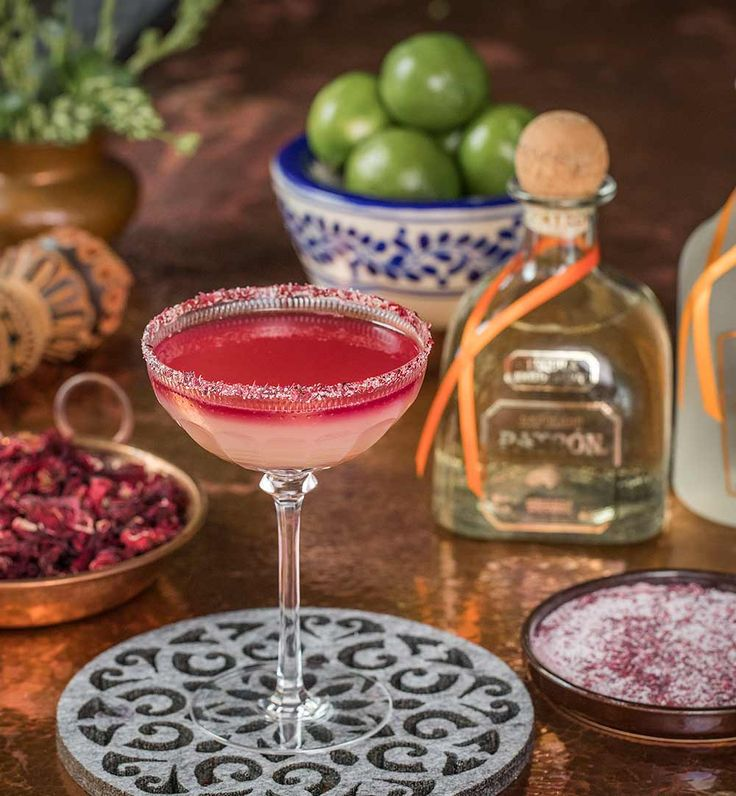 1.75 oz Patrón Reposado 0.75 oz Patrón Citrónge Orange 0.75 oz Simple syrup 0.50 oz Red wine  Garnish: Sugar-salt rim, Lime wheel Bar Tools: Jigger or Measuring Cup, Knife, Cobbler Shaker, Small Saucer Plate Glass: Coupe Each box includes all ingredients including garnish. Bar tools and glassware not included but can be ordered separately. All orders for alcohol are fulfilled by Keystone Wine and Spirits, LLC.