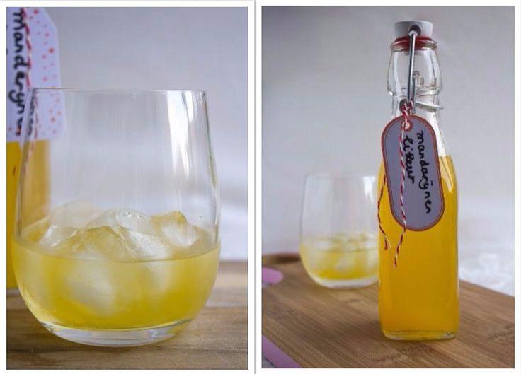 Met dit makkelijk recept maak je zelf heerlijke mandarijnen likeur. Op basis van vodka, mandarijnen, suiker, water, liefde en een beetje geduld.