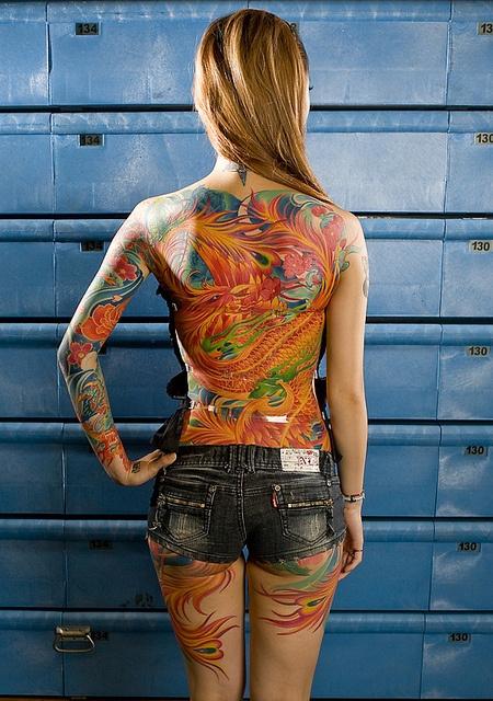 dragon and phoenix tattoo #dragon #phoenix Amazing Dedication! Beautiful tattoo.