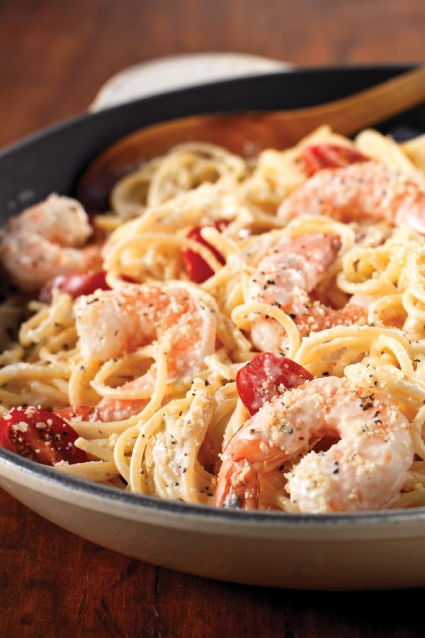 Cracked Black Pepper-Shrimp Alfredo – The reviews are in—families a big fans of this Cracked Black Pepper-Shrimp Alfredo recipe. Best of all? This pasta dish is ready in just 20 minutes. Add this creamy, flavorful dinner idea to your roundup of weeknight recipes.