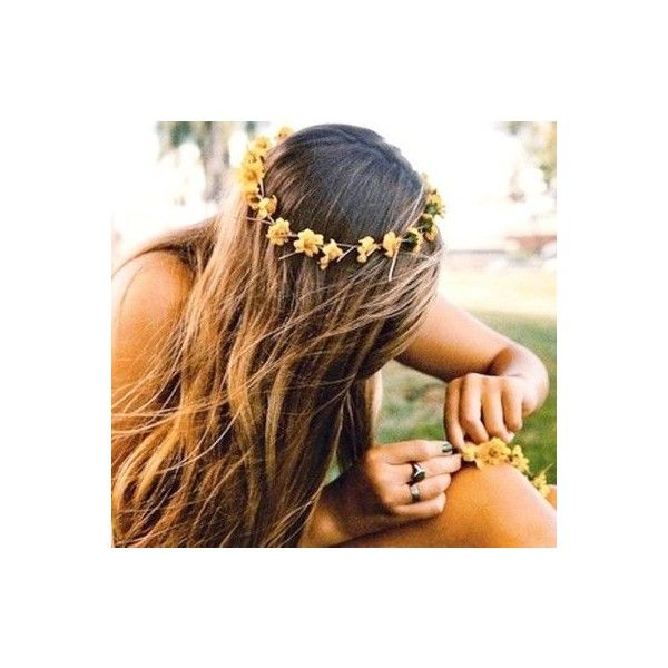 Flower crown and beach hair ❤ liked on Polyvore featuring beauty products, haircare, hair styling tools, hair, pictures, icons, icon pictures, cabelos and backgrounds