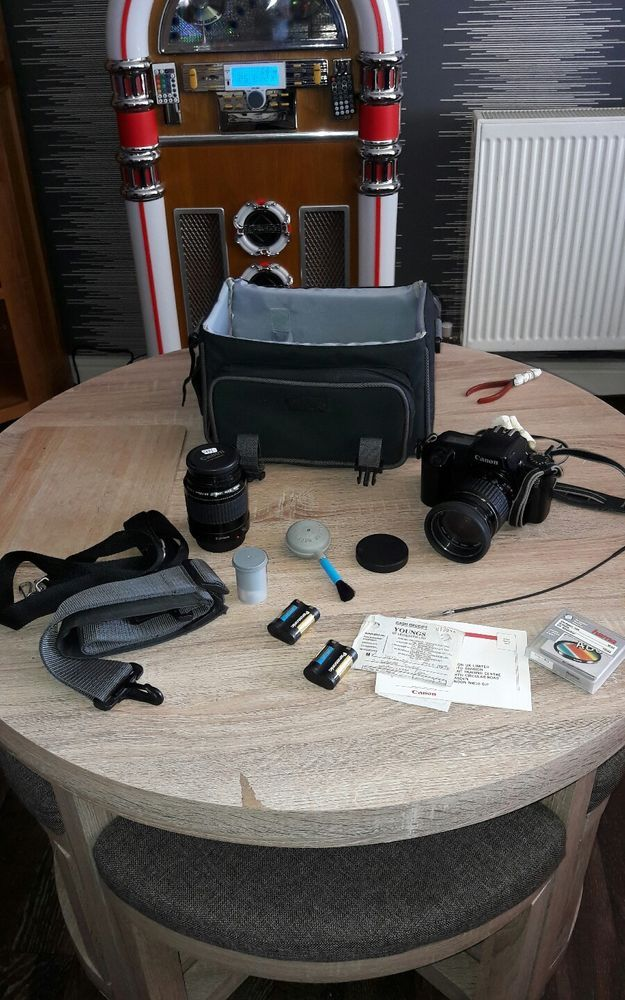 canon eos 1000f with two lenses 35-80 75-300 #Canon