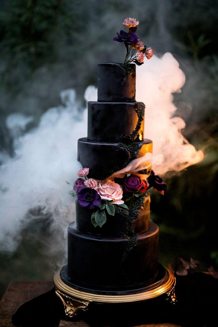 Wedding Inspiration Black Wedding Cakes need we say more Follow us for more inspiration #weddinginspiration
