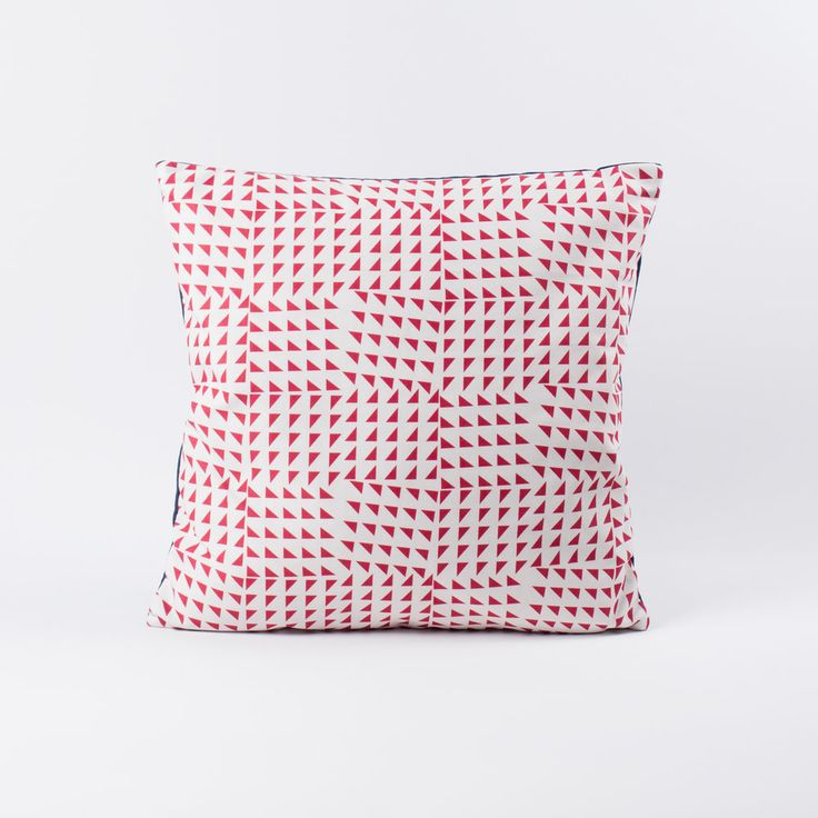 Triangoli Cushion