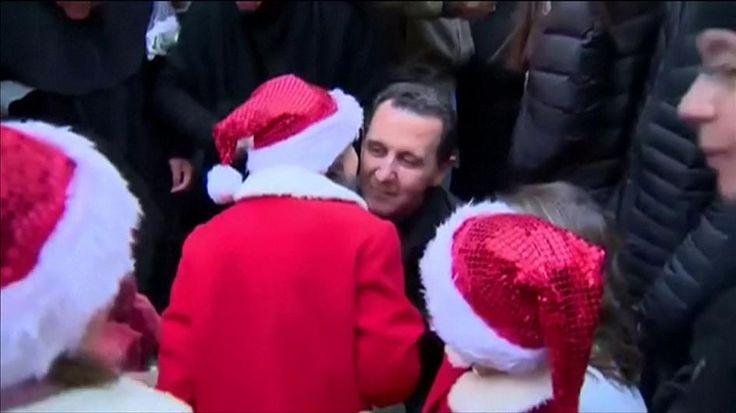 Déconstruction  | La famille Assad s'affiche auprès des chrétiens (une minorité vulnérable et utilisée)  pour Noël | Comme Hitler et Staline à l'époque qui embrassaient des petites filles dans des cérémonies qui les glorifiaient, voilà un exemple concret de la propagande de la dictature syrienne. Ce type de mise en scène rassure l'Occident et sera utilisée par l'extrême droite américaine, européenne et par les russes. N.