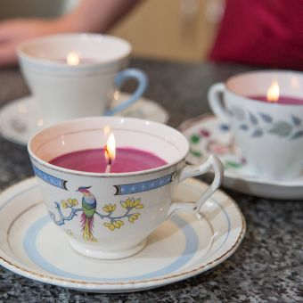 Vintage Teacup Candles | Craft Ideas & Inspirational Projects | Hobbycraft #christmastabledecs #teacupcandles #christmascandle