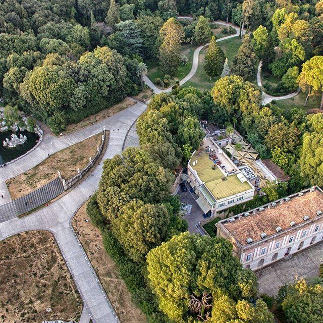 Una Location immersa nei Giardini Reali  Scegli Mulini Reali per il tuo Evento  Fissa un appuntamento e Vieni a visitarci Info www.mulinireali.it 0823 301842 Un ringraziamento a Fusco Air Photo