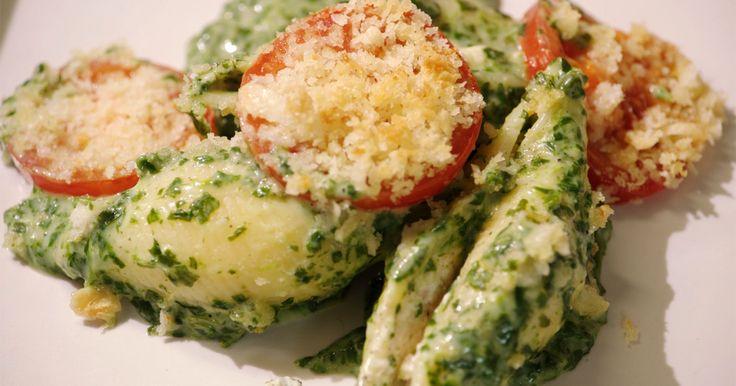 Gevulde schelpen met gerookte zalm, ricotta en spinazie