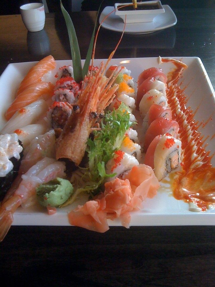 Jpan restaurant sushi sashimi platter traditional for 0 5 japanese cuisine